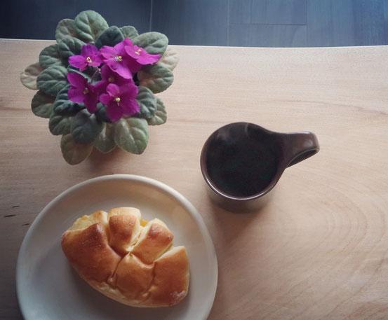 ZEROJAPANカフェマグ&カフェプレートと亀井堂クリームパン