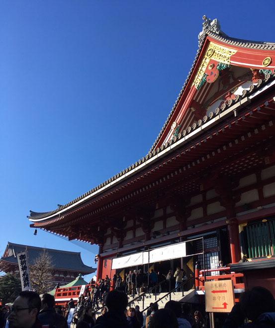 元旦の浅草寺
