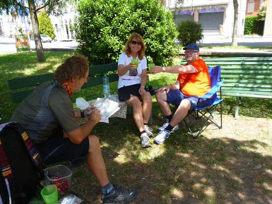 Nach 60 km gibt es wieder ein Picknick
