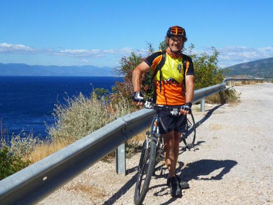Der Küste entlang nach Pireus