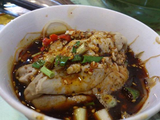 ちなみにコレは何かわかります?「脑花」、つまり豚の脳みそですね。中国では普通に食べます。ちょうど白子みたいな食感です。