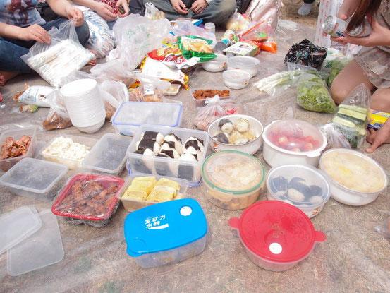 手作りお弁当は食べきれないほどの量で美味しくいただきました~!