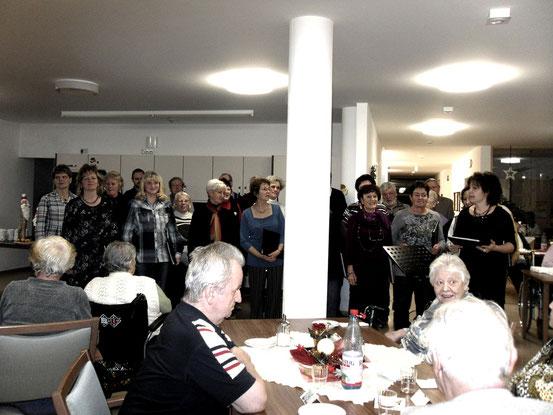 2011- Für Hanni und all die anderen Bewohner des Pflegeheims in Wutha/ Farnroda erklingen Weihnachtslieder / Quelle: H.u.L.Harms