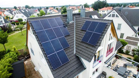 SunPower Module auf einem Privathaus