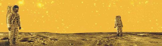 Eine fiktive Mondszene hat Bernd-Michael Land für sein CD-Projekt gestaltet. Als Grundlage dienten zwei lebensgroße Puppen in einer Ausstellung. © Foto: p/Bernd-Michael Land