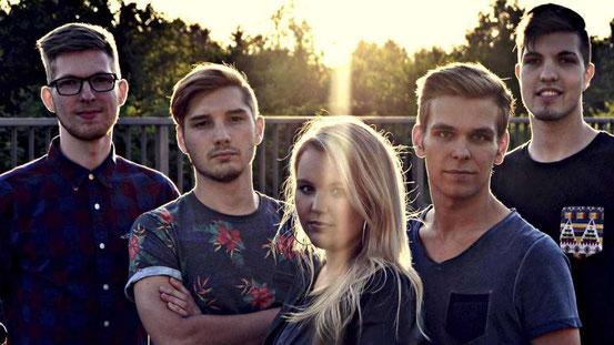 Mit einem Konzert in Egelsbach startet Mind Blowing ins neue Jahr. Kurz vor Ende des alten Jahres hat die Band ein neues Musikvideo veröffentlicht. © p