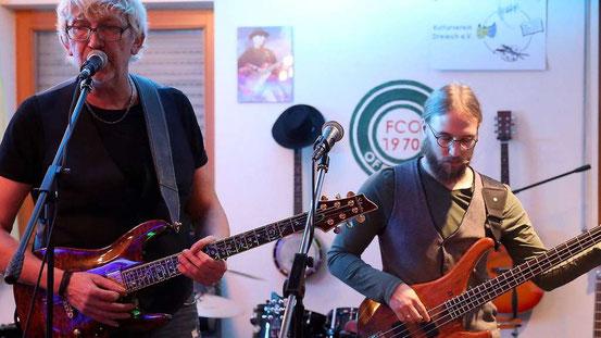 Die Christa Graf Band präsentierte sich auch ohne die erkrankte Christa Graf in Spiellaune. Fotos: jost