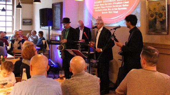 Das Berry Blue Quartett hat seinen traditionellen Neujahrsjazz dieses Jahr vom Ledermuseum ins Restaurant Trattodino verlegt. © Meidel