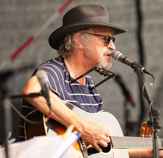 Wolfgang Niedecken tritt heute Abend im Hanauer Amphitheater auf. Er gibt eigene sowie Songs von Bob Dylan zum Besten. © -