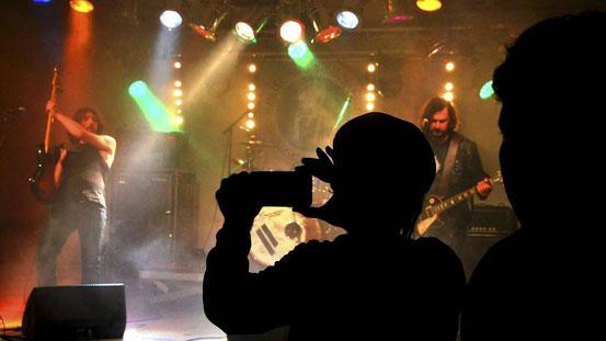 Seit 25 Jahren bieten die Festivals der Artificial Family auch einen Platz für Musiker, die in keine Schublade passen. © Prochnow