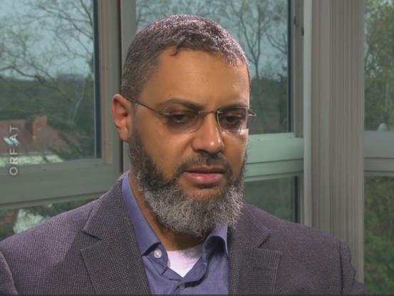 Moussa Al-Hassan Diaw ist Diplompädagoge und Islamismus-Forscher. Diaw hat einen Migrationshintergrund und lebt seit seinem dritten Lebensjahr in Österreich. (Wikipedia)