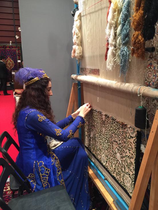 東銀座時事通信ホールにて、手織り絨毯展2月開催