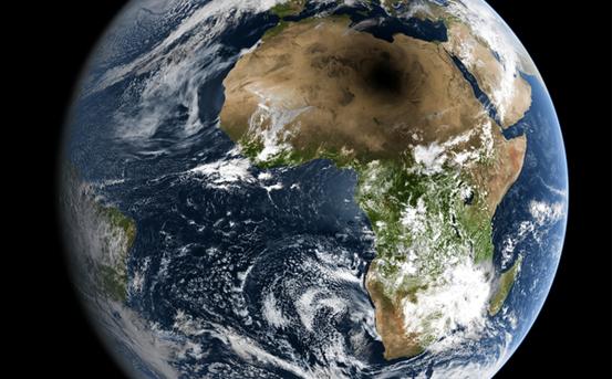 Da müssen Sonnenphysiker und Schaulustige lange reisen: Eine totale Finsternis, der Mondschatten liegt direkt über der Sahara.