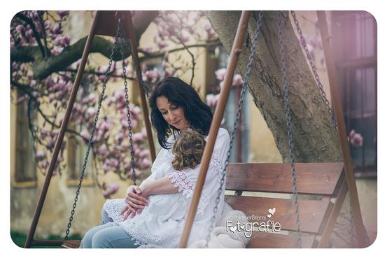 zwickau, chemnitz, leipzig, outdoorfotografie, fotostudio, lichtbildkuenstlerei, magnolie, mama stillt, familienfotos, fotograf, kinder, baby, bilder