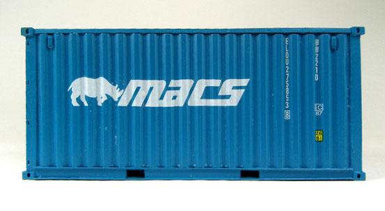 Ein 20' Dry Container der deutschen MACS Reederei, die oft Containerrouten bis nach Südafrika bedient. Wohl deshalb das Nashorn im Firmensignet?