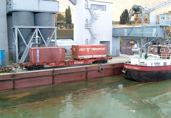 (Foto: Georg Brückner)  Containertragwagen der DB AG von Modell Rail .  ArGe Spur 0 Treffen in Mögglingen 2012