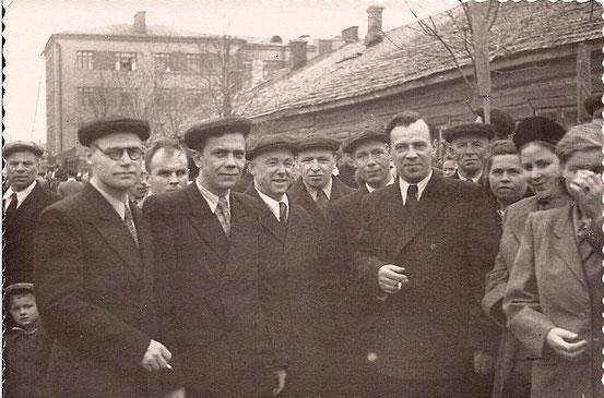 Демонстрация на улице Горького