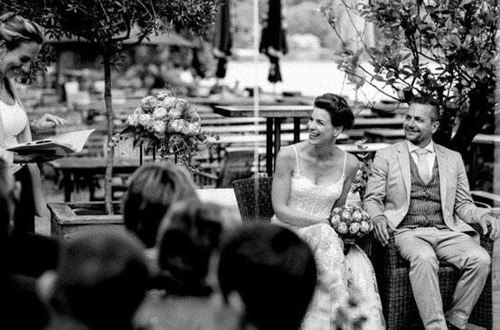 Freie Trauung, Freie Rednerin München, Freie Rednerin Bayern, Freie Trauung in Bayern, Strauß & Fliege, Hochzeitsrednerin, Alternative Trauzeremonie, Hochzeitsblog