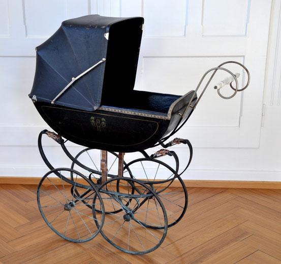 Puppenwagen Jugendstilzeit 100 Jahre alt 1910