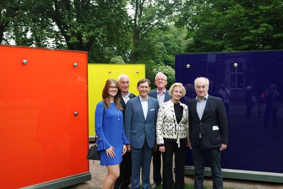 Foto FAKT AG: v. l.n.r.- J. Wrobel (Projektl. Shamrockpark), Prof. Dr. J. Gramke (stellv. Aufsichtsratsvors. FAKT.AG), Dr. F. Dudda (OB Herne), Prof. em. H. Schulte-Kemper (Vorstand FAKT.AG), E. Boehme (Künstlerin), Prof. Dr. F. Ulrich (Kunsthistoriker).
