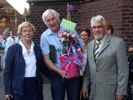 Franz Frye gratuliert dem Goldpaar