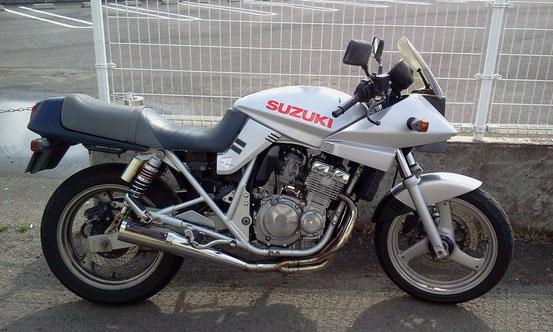 カタナ 250 スズキ