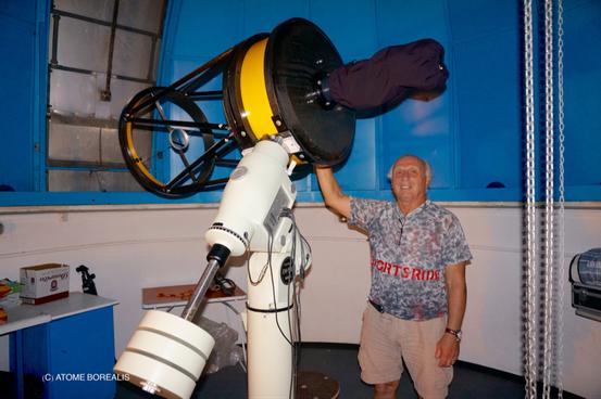 Roger Tabary sous la coupole de l'observatoire du Soler (66)