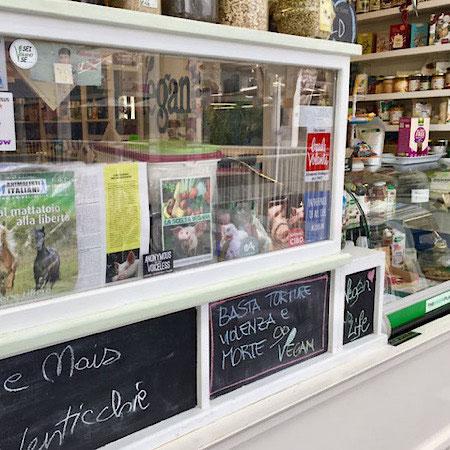 vegan store 83 Mercato Testaccio rome italy