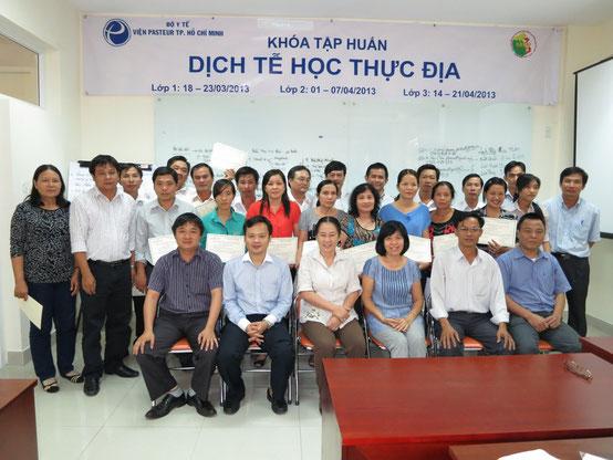Tập huấn về Dịch tễ học thực địa - ngắn hạn cho cán bộ y tế của 24 quận/huyện thuộc TP. HCM