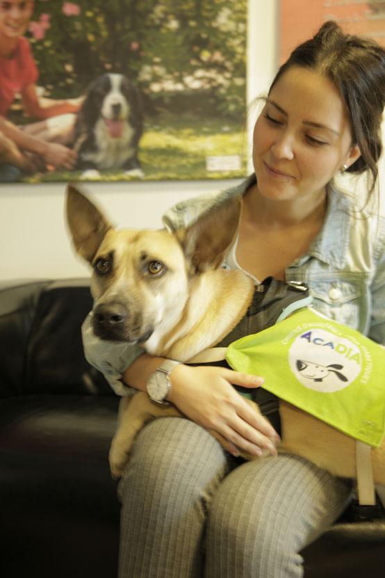 Florine Munier avec la chienne Stella