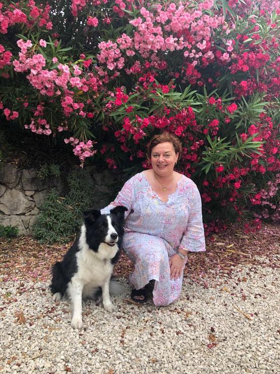 Caroline Blanco et Lolita son chien d'assistance