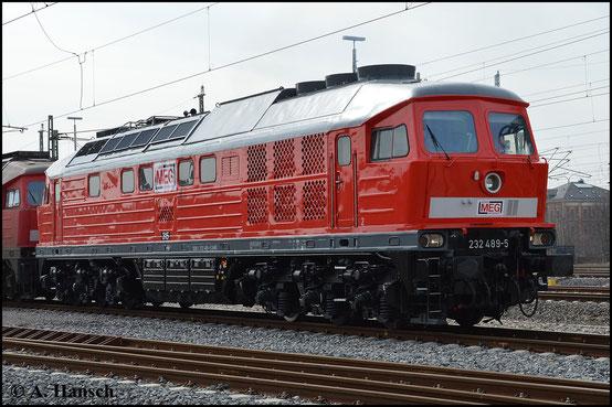 232 489-5 überführt am 17. März 2015 fünf Loks ihrer Baureihe von Chemnitz nach Halle. Hier ist die Lok in Chemnitz Hbf. zu sehen. Die Lok ist vor wenigen Wochen frisch hauptuntersucht worden und sieht extrem gepflegt aus