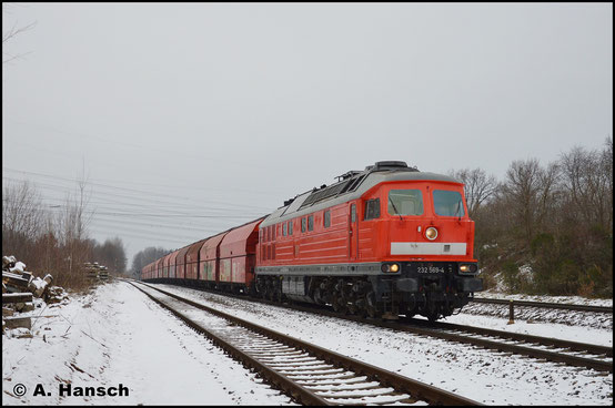 4 Jahre später, am 19. Dezember 2017, begegnet mir die Lok in Wittgensdorf ob. Bf. am Leergips Großkorbetha - Küchwald