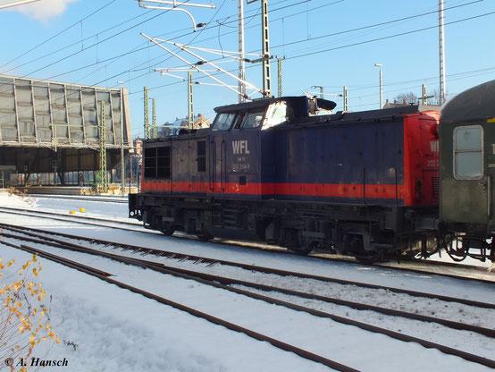 Am 8. Dezember 2012 fuhr ein Sonderzug von Nossen nach Annaberg Buchholz. Als Unterstützung für die Zuglok 52 8131-6 leistete 202 264-8 (Lok 17 der Wedler und Franz GbR Lokomotivleistungen) Schubdienst. Hier bei der Ausfahrt aus Chemnitz Hbf. Richtung Aue