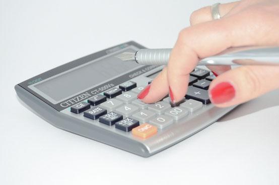 Kosten mit einem Taschenrechner berechnen
