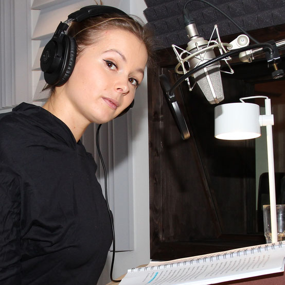 Edith Stehfest im Tonstudio
