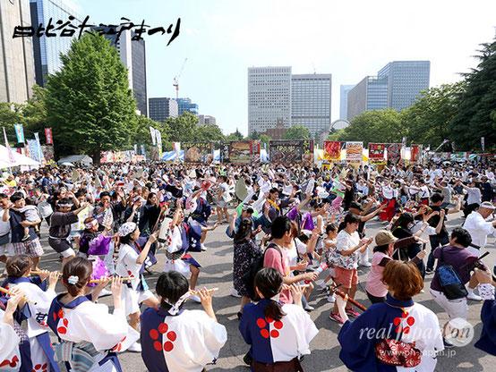 お神輿、山車、よさこい等、お祭りのジャンルを超えて、みんな一緒に阿波踊り:日比谷公園・大噴水広場