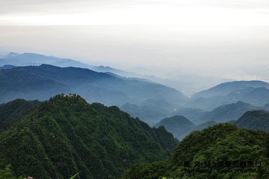 峨眉山  ©  董文晓/华夏荒野旅行