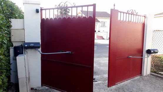 Automatisme de portail à bras battant pour une ouverture facile du portail