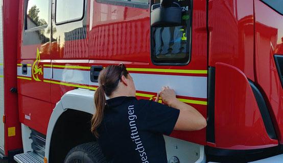 Feuerwehrfahrzeug Beschriftung