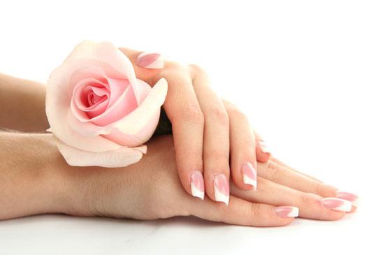 Bild: French Manicure