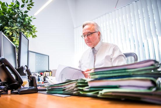 Rechtsanwalt Andreas Hebestreit aus Herten mit den Schwerpunkten Arbeitsrecht, Privates Baurecht und Kaufvertragsrecht