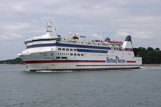 Barfleur leaving Poole's harbour to Cherbourg-en-Cotentin in the early-2000s.