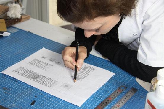 Dessin étude d'un prototype bracelet manchette à effet trompe l'oeil en peinture sur cuir