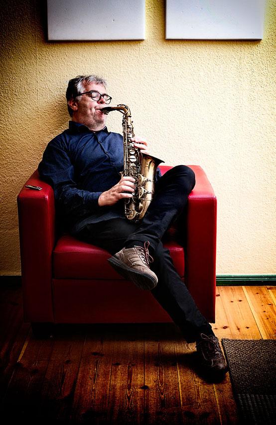 Georg Fischer - Saxophonlehrer, Jazz Saxophonunterricht, Saxophon spielen lernen in Berlin Mitte, saxophone classes, saxophone teacher, Musikkapelle Berlin, Photo Graham Hains