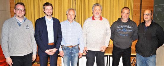 Bürgermeister Dr. Johannes Hanisch  und der neue Ortsbeirat von Odersbach: von links n. rechts: Jan Kramer, BM Hanisch, Dr. Marc Wolfram, Heinz-Jürgen Deuster (neuer Ortsvorsteher), Michael Oesterling, Markus Schneider