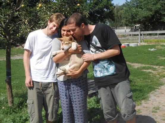 Indigo mit Familie