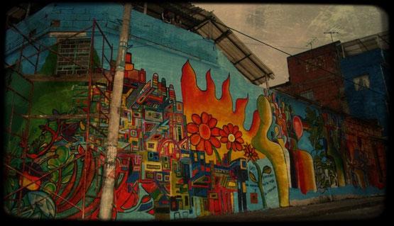 Fotografía: Jhon Ángel Valero. Mural: José Alberto Jeréz. Bogotá. 2012