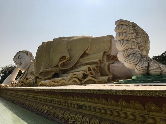 Liegender Buddha Mya Tha Lyaung