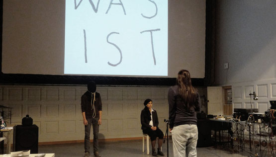 was ist kunst? Lysann König, 2012, Performance mit Alexandra Meyer & Steven Schoch